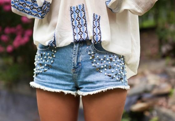 Как переделать джинсовые шорты