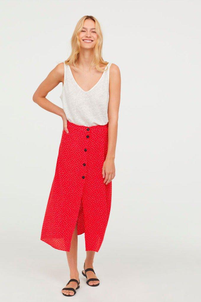 Falda roja de estampado de lunares