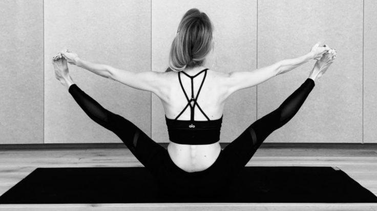 famosas que practican yoga