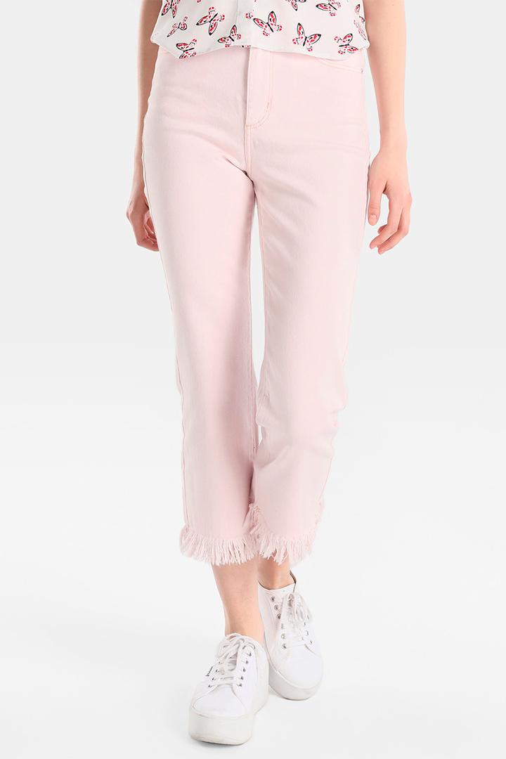 Pantalones vaqueros rosas con bajo deshilachado