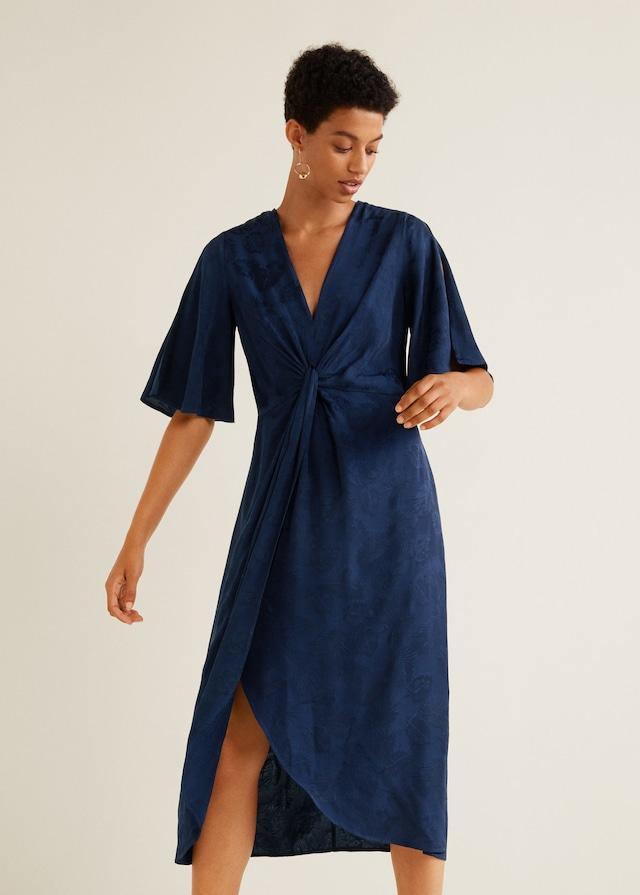 Vestido azul de invitada de otoño de Mango