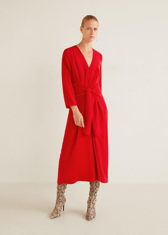 Vestido rojo de invitada de otoño de Mango
