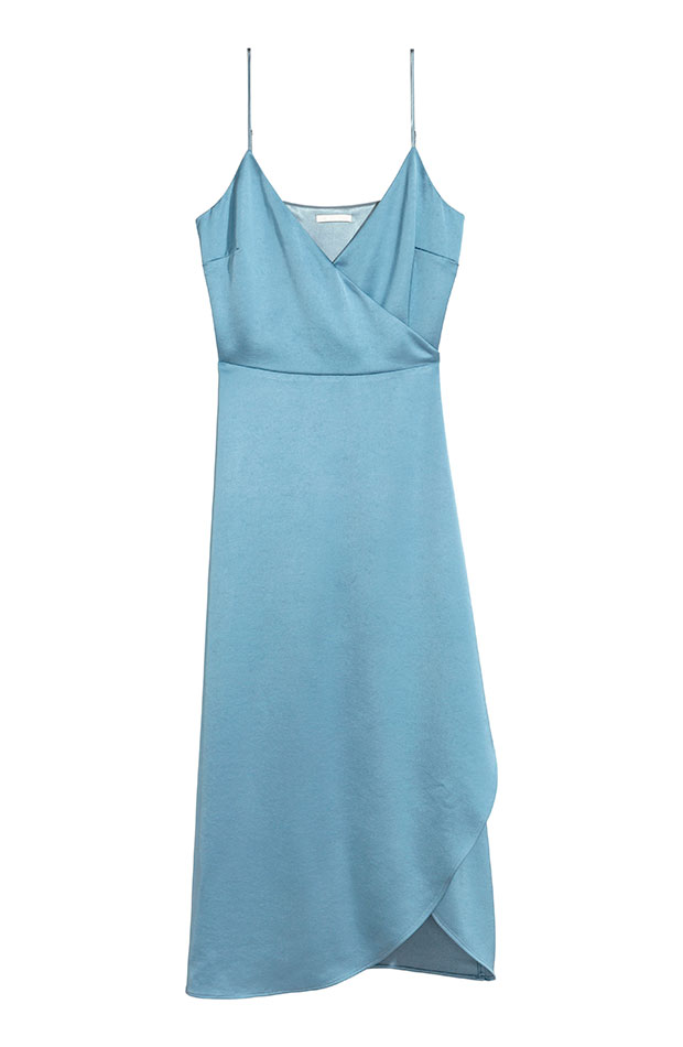 Vestido lencero celeste de H&M