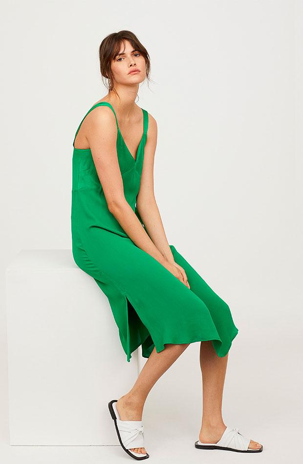 Vestido lencero verde de H&M