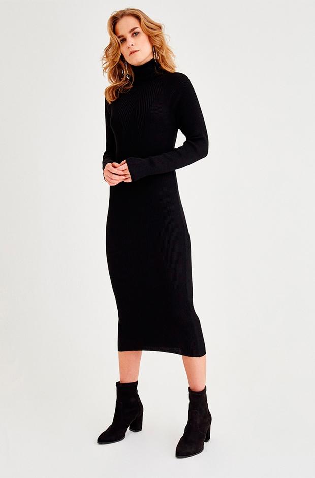 Vestido de Oxxo de punto con cuello cisne negro