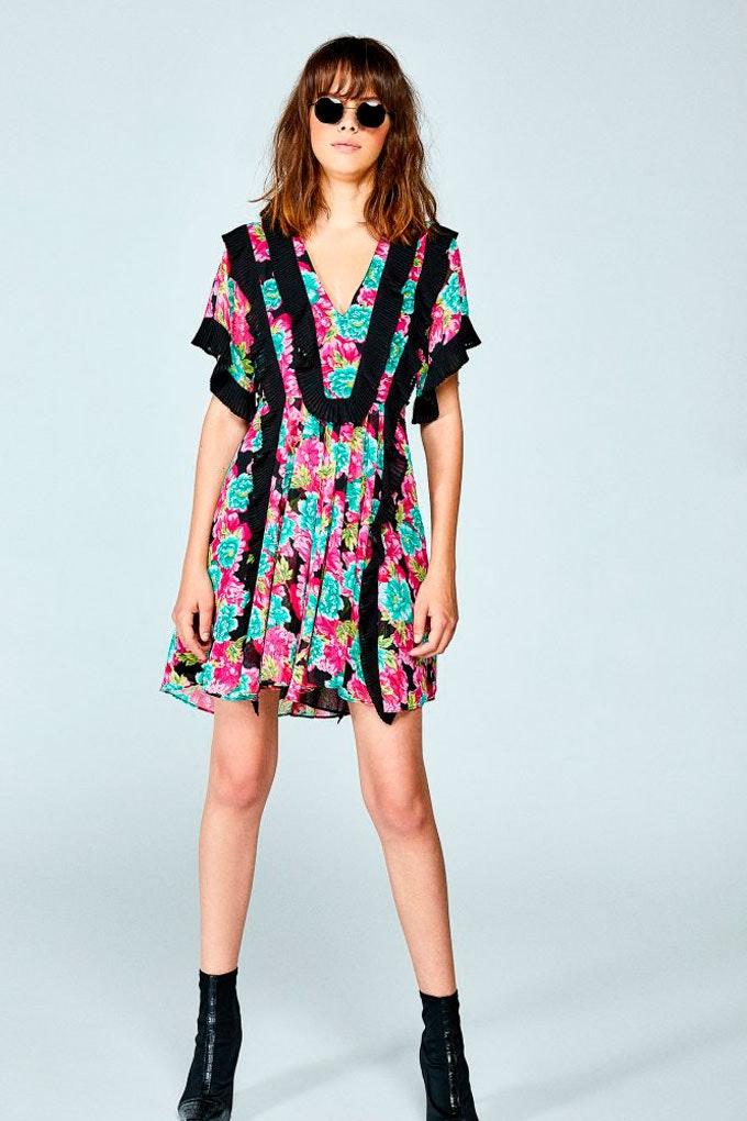 Vestido de verano versátil con estampado de flores de Sfera