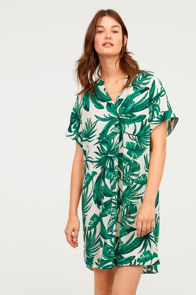 Vestidos versátiles con estampado tropical