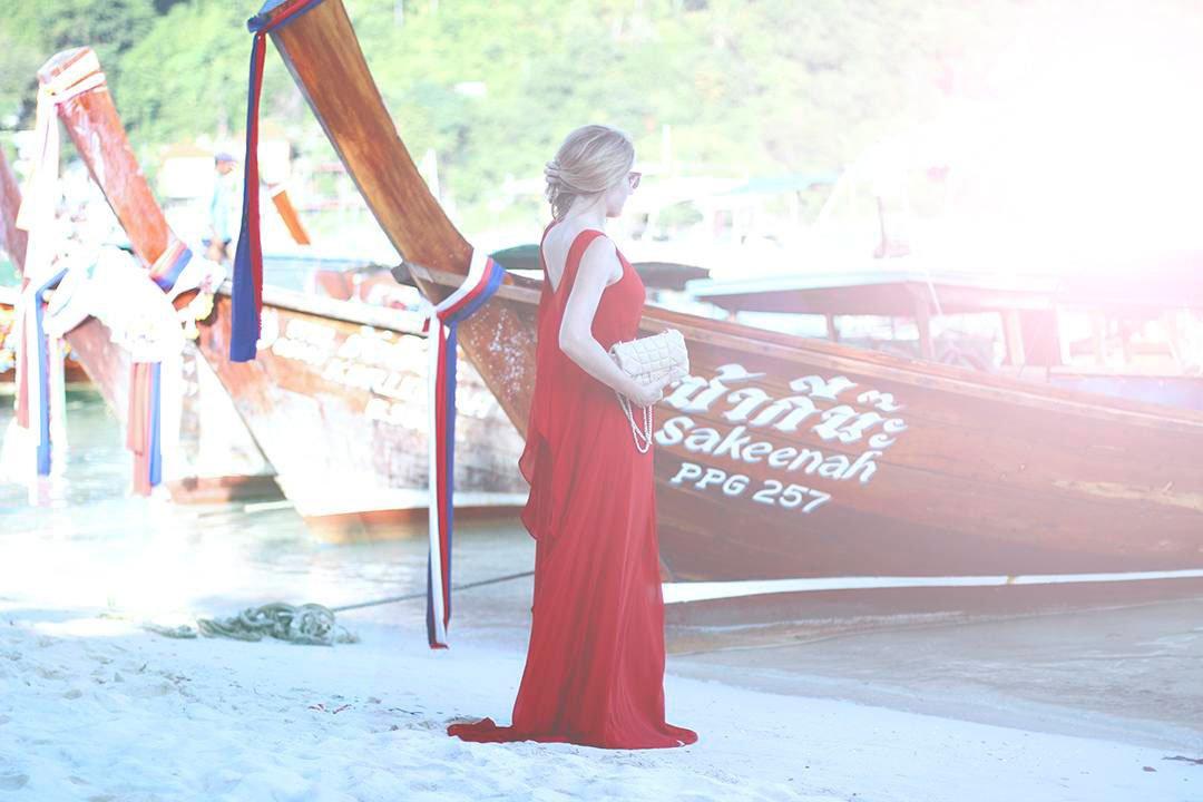 vestido rojo con capas de gasa de el corte inglés