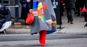 20 vestidos que arrasan con unas botas de caña alta