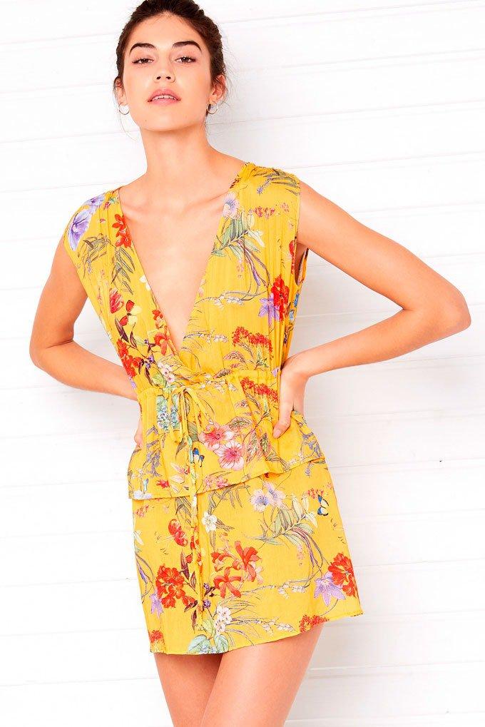 Vestido amarillo con flores de Etam