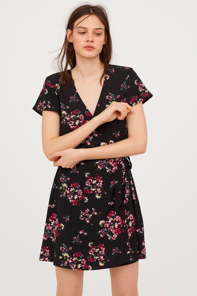 Vestido cruzado con estampado floral de H&M