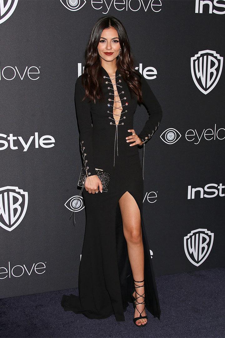 Victoria Justice con vestido lace up