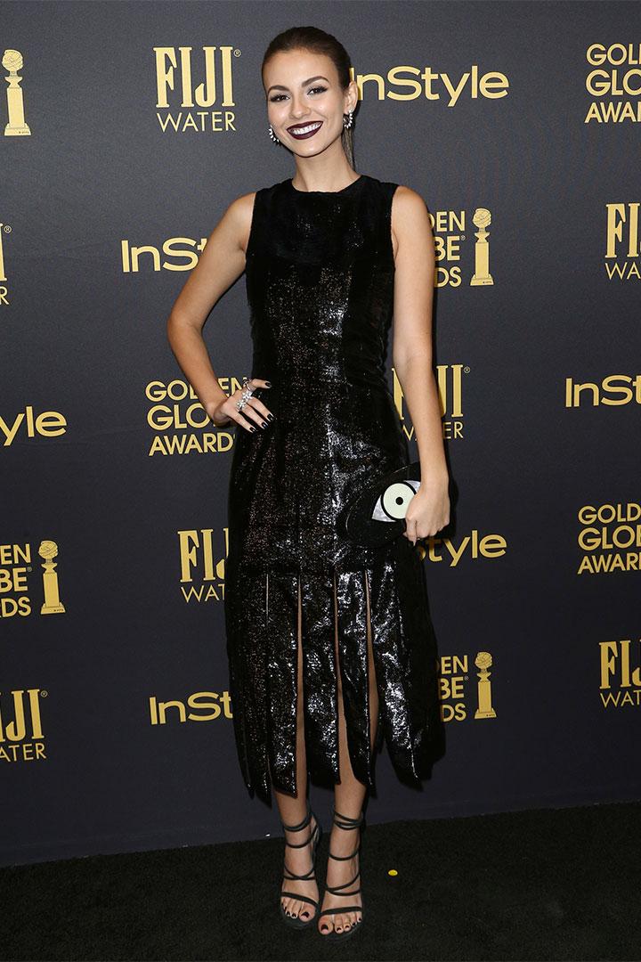 Victoria Justice con vestido negro