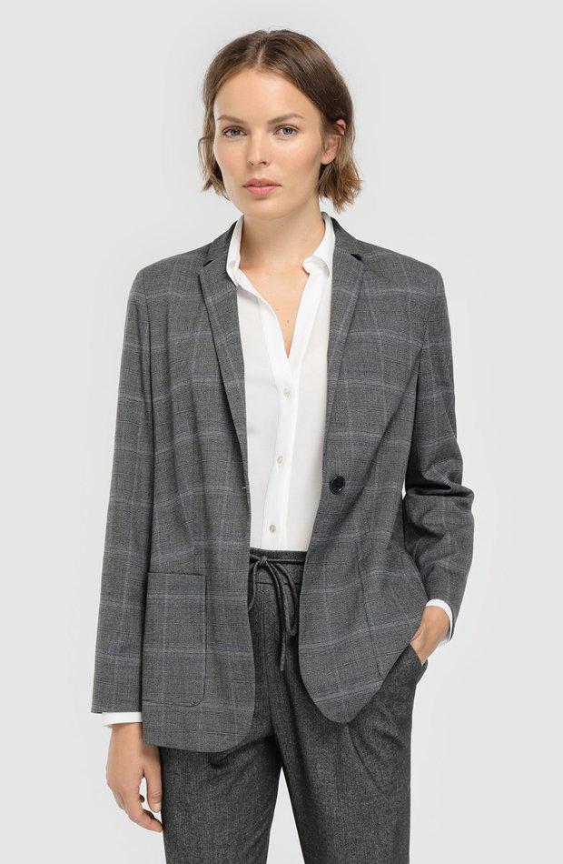 Blazer con cuadros y dos bolsillos de Woman El Corte Inglés: chaqueta temporada 2019