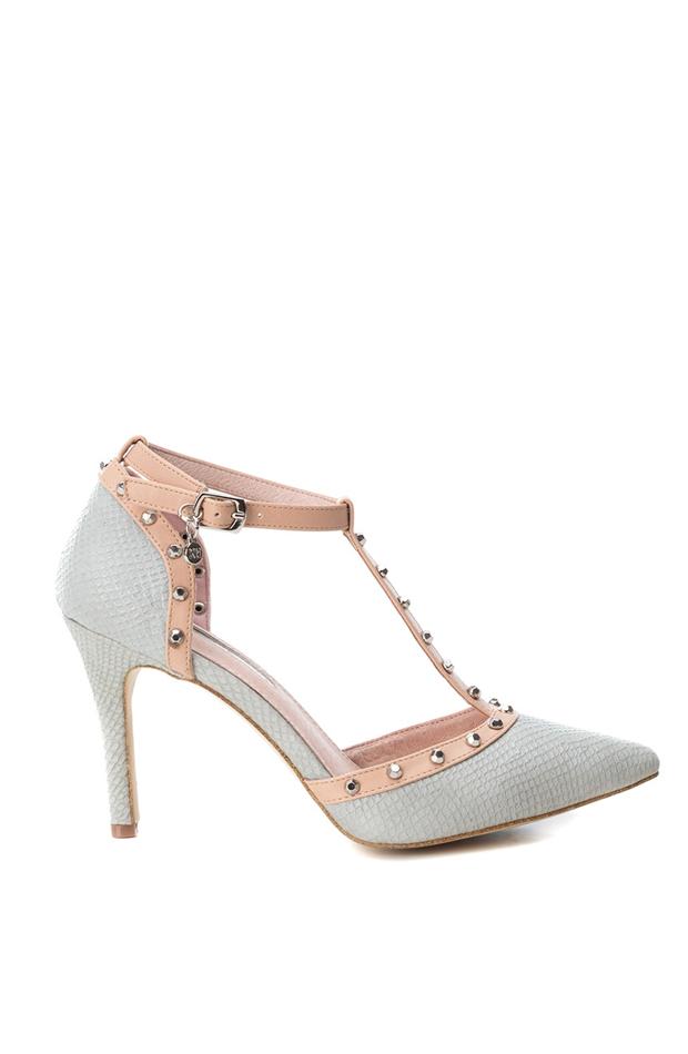 Zapatos de salón de afelpado color gris de Xti: zapatos primavera