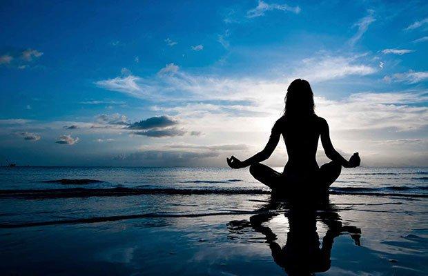 yoga-mujer-meditacion
