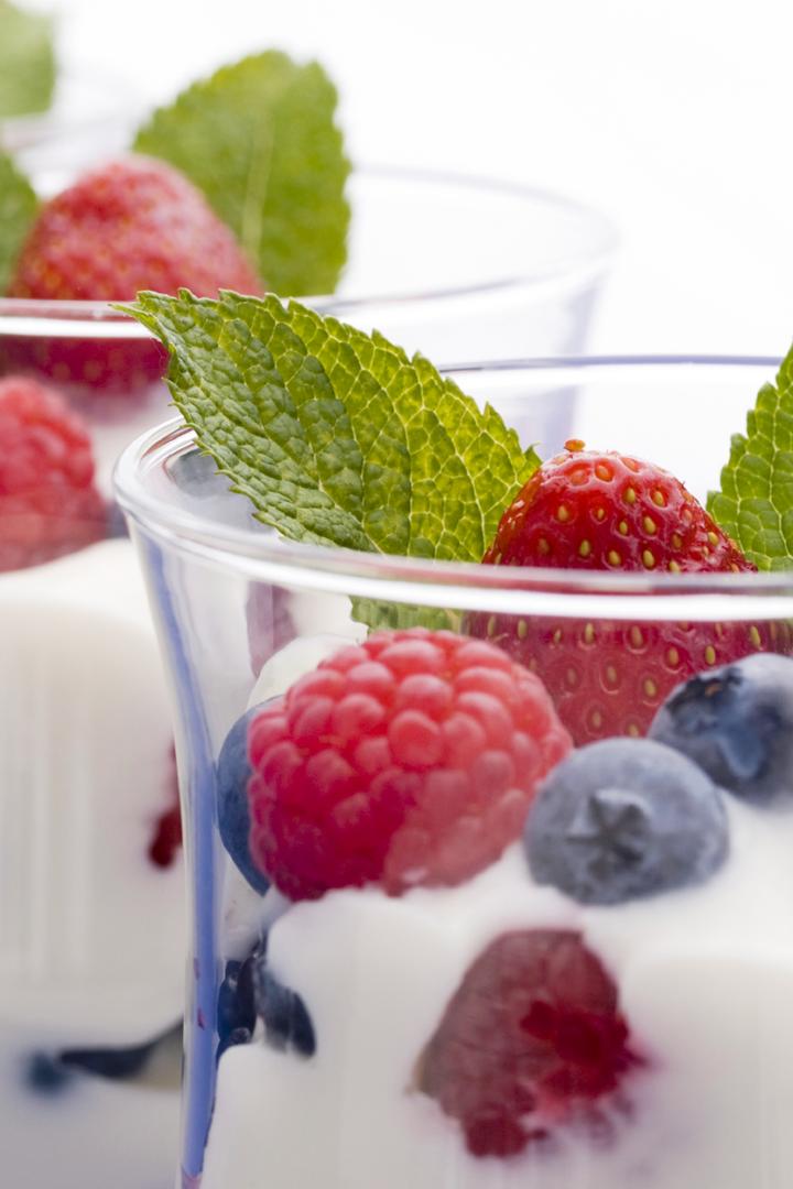 Yogur con trozos de fruta: snacks sanos