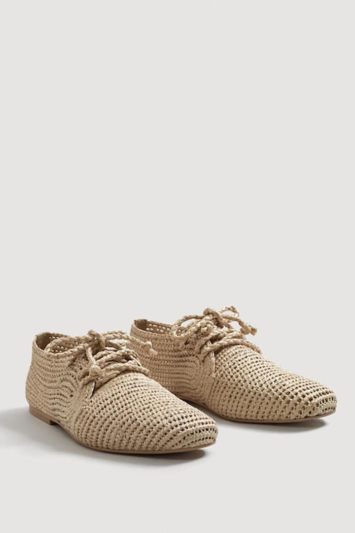 zapato diseño trenzado mango ropa