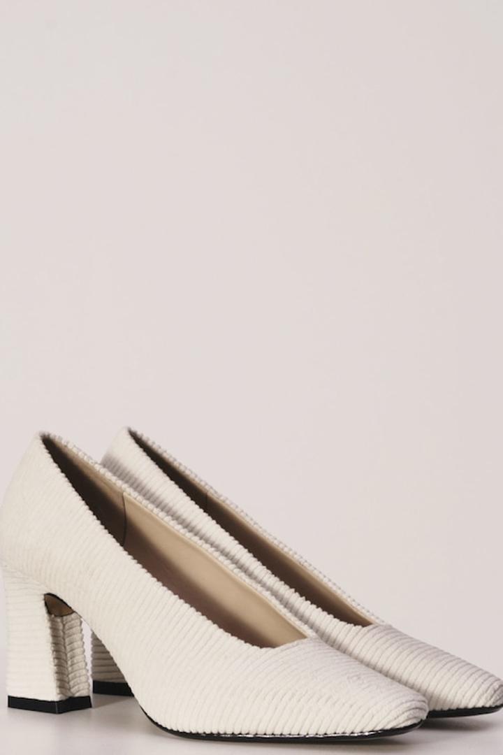 zapato tacón textura mango ropa