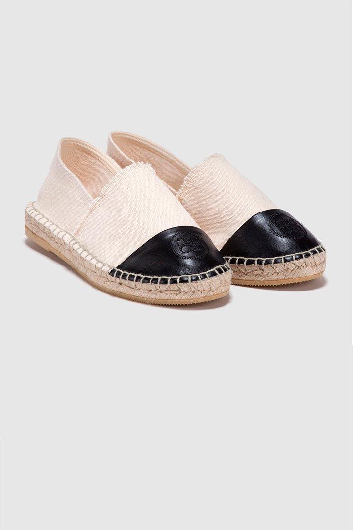 zapatos planos de estilo alpargata