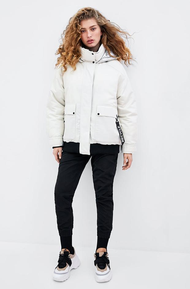 Bomber blanca de Zara colección reciclada