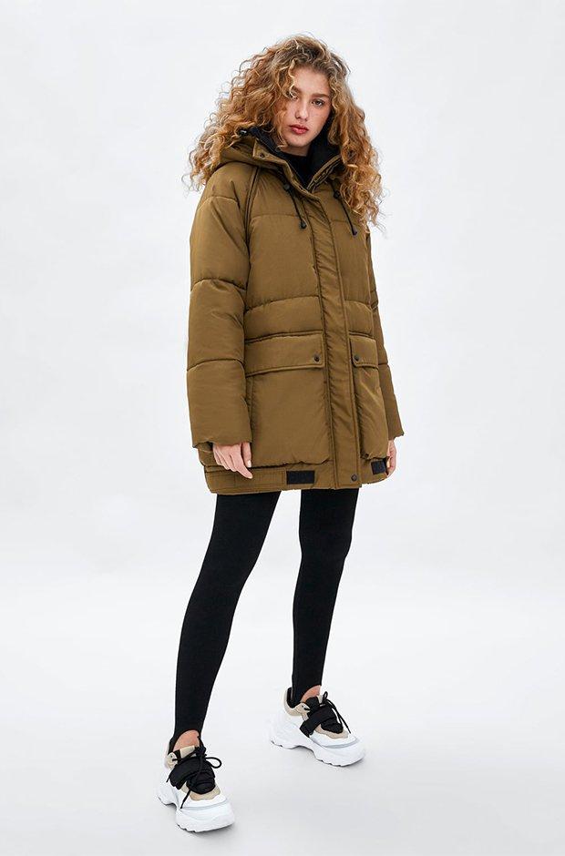 Abrigo verde kaki de Zara colección reciclada