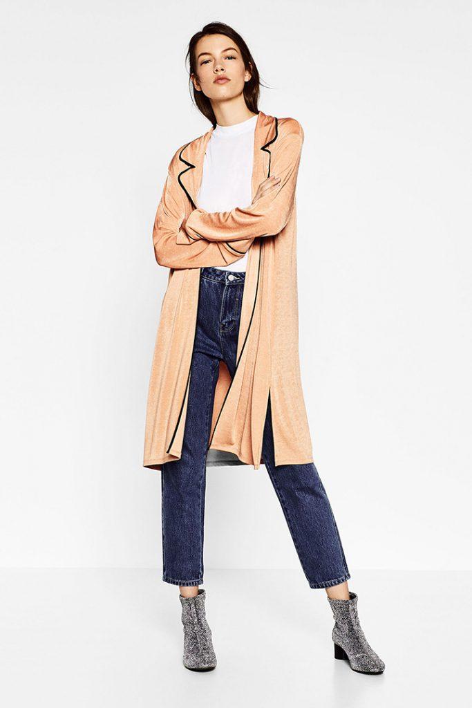 Chaqueta estilo pijama de Zara