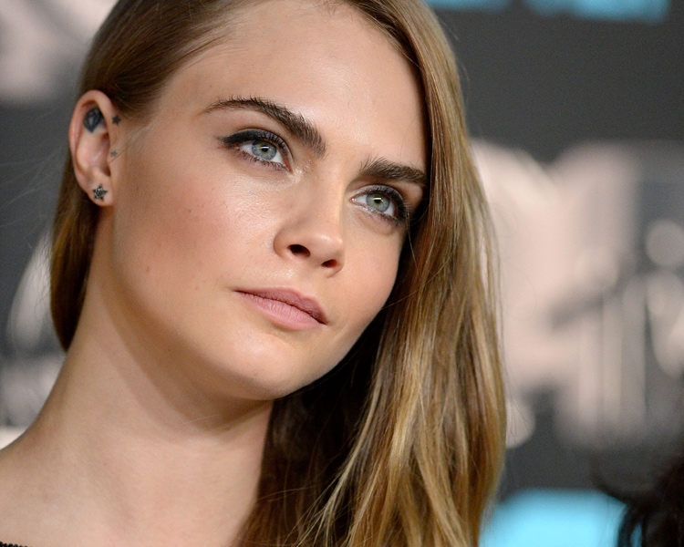 El look de belleza YSL de Cara Delevingne-703-asos