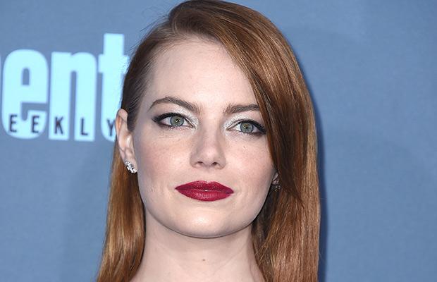 Emma Stone maquillaje ojos mirada metalizada