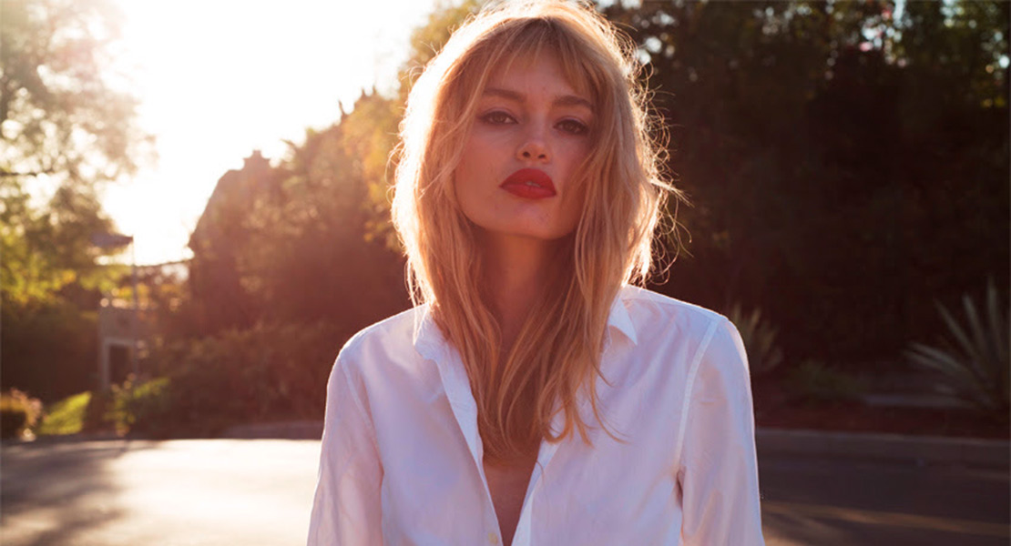 Staz Lindes embajadora maquillaje Yves Saint Laurent