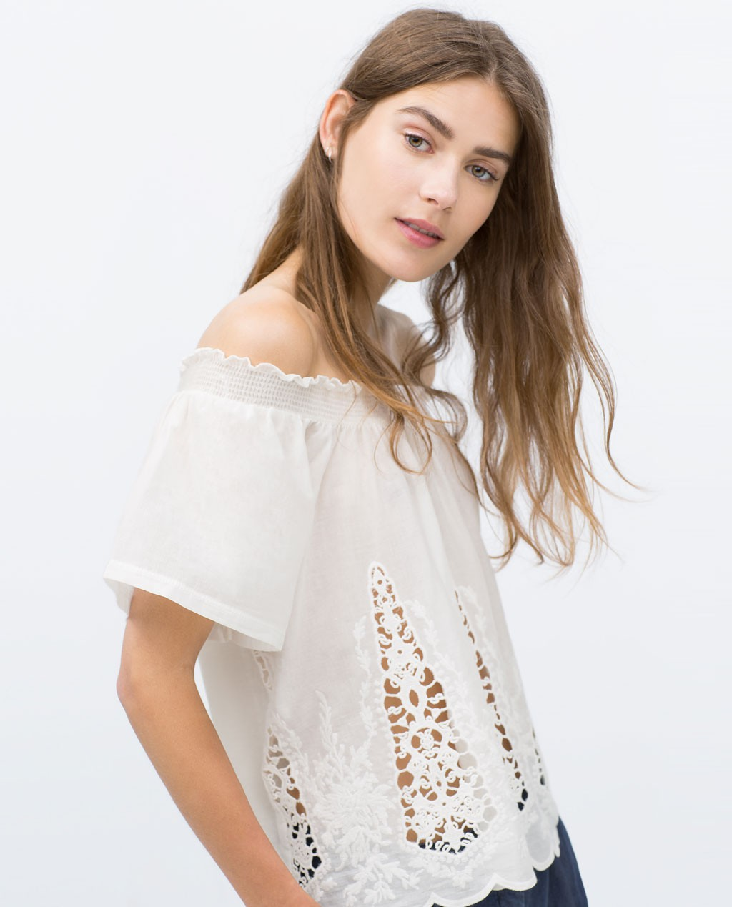 Top Bardot bordado blanco zara