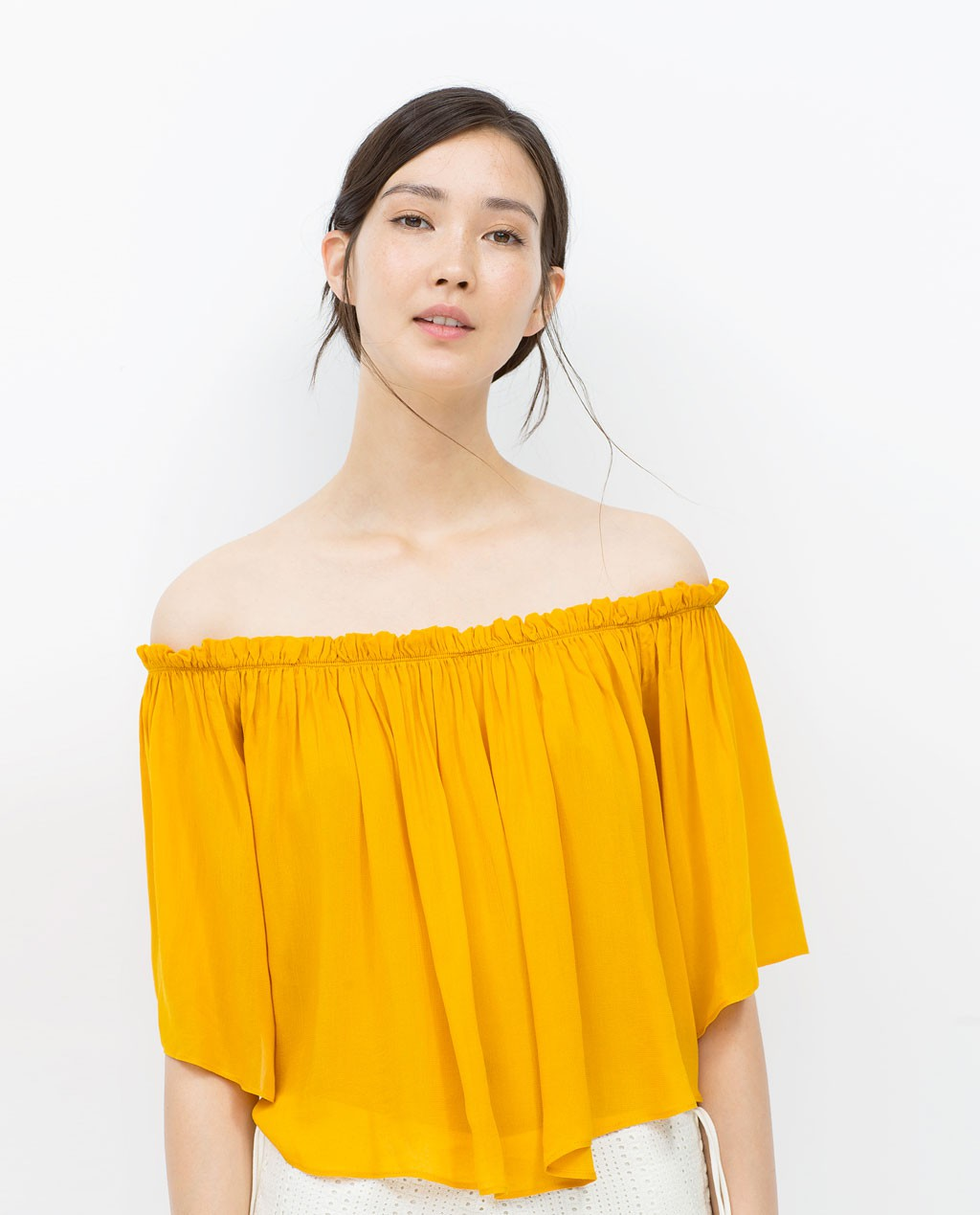 Top Bardot amarillo zara