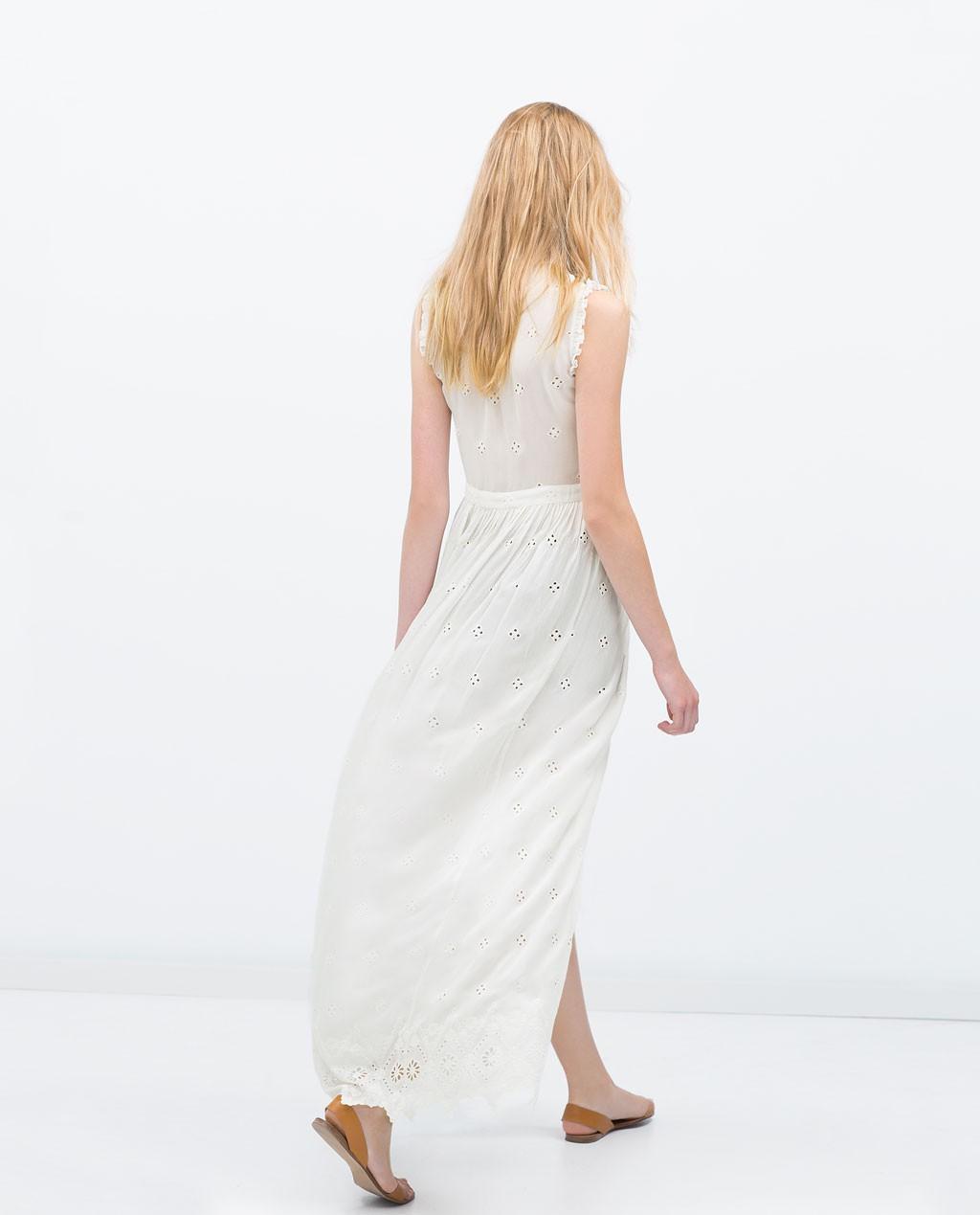 Vestido largo blanco bordado de  zara