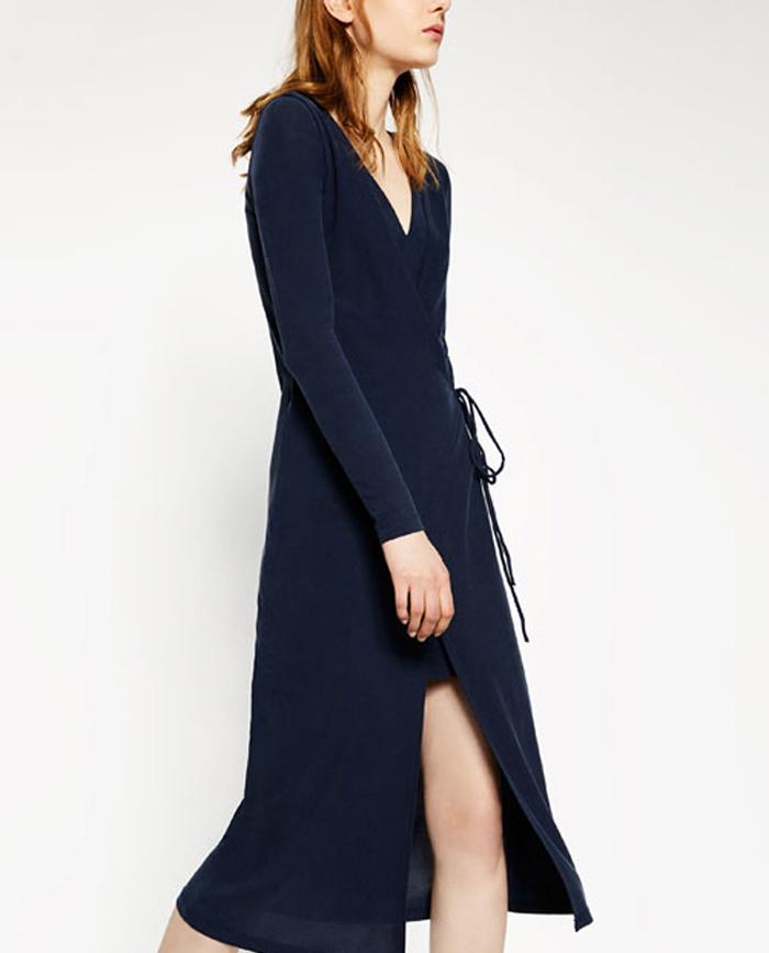 Vestido azul marino de ZARA